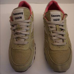 Women's Saucony Shadow Sneakers